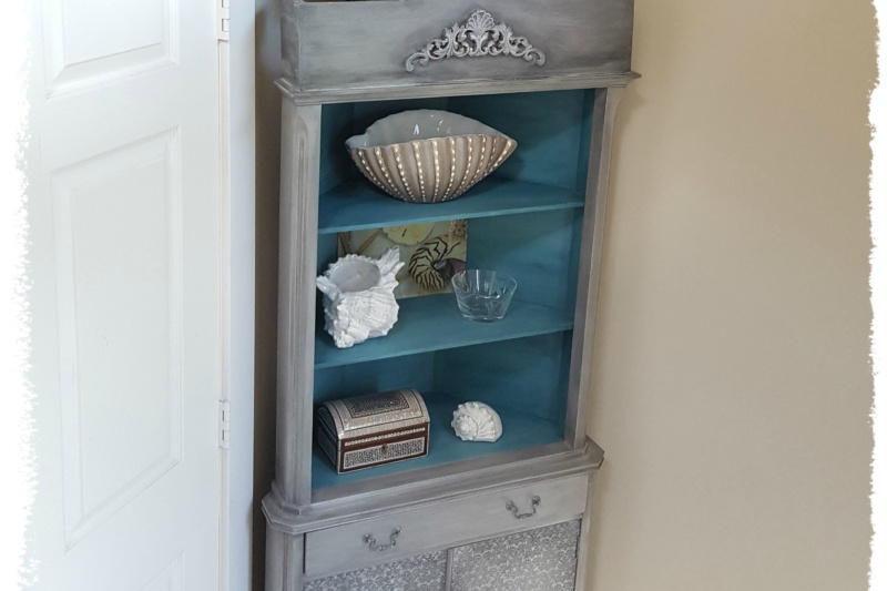 corner hutch after refurb